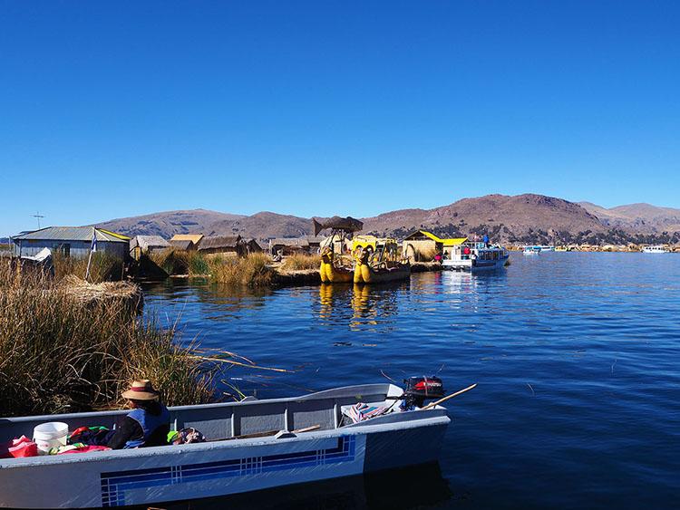 Iles flottantes Uros Lac Titicaca Puno Pérou Année Sympathique