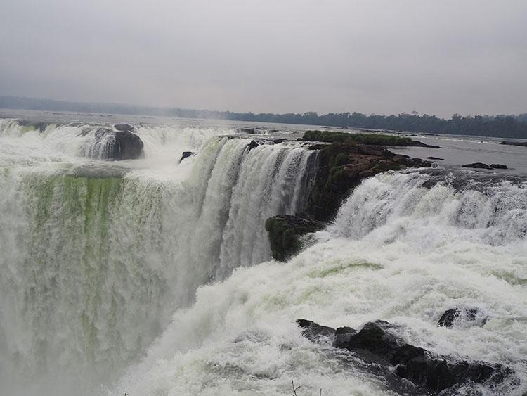 Gouffre du diable Iguazu Argentine Année sympathique
